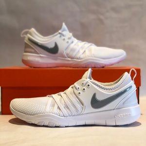Womens Nike Free TR 7 - White Size 9